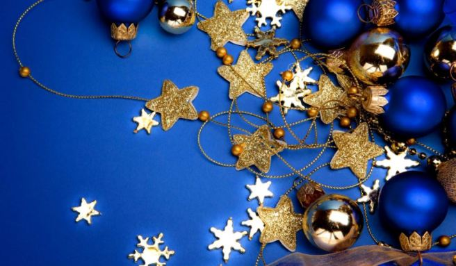 blue star decorations.JPG